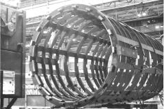 Gorset stojana generatora GTHW-600 w hali Dolmel