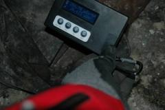 Wartość promieniowania przy obuwiu strażaków, którzy jako pierwsi gasili pożar.